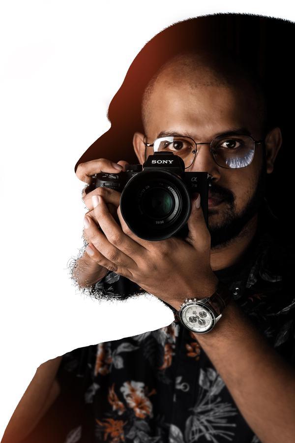 Image of Eyewear, Photographer, Eyebrow, Arm, Vision care, Outerwear etc.