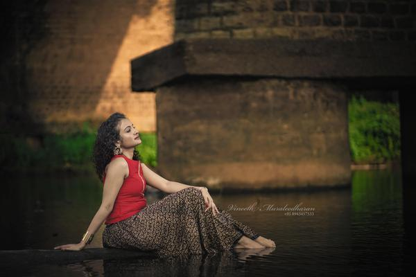 Image of Photography, Water, Flash photography, Sitting, Dress, Beauty etc.