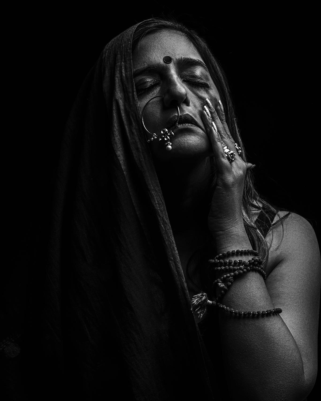 Image of Monochrome photography, Skin, Head, Monochrome, Beauty, Black-and-white etc.