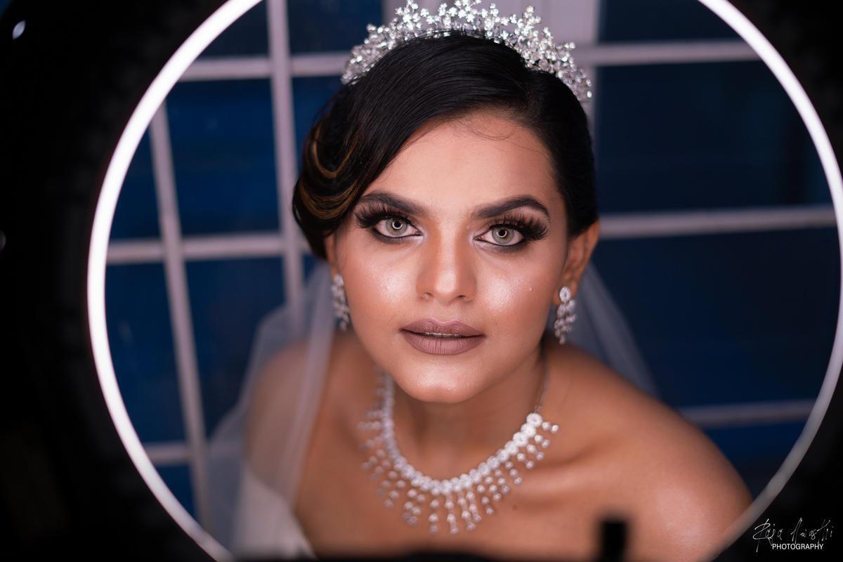 Image of Face, Hair, Headpiece, Eyebrow, Lady, Beauty etc.