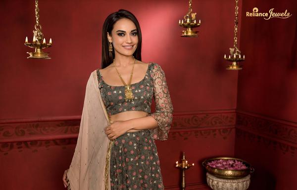 Image of Clothing, Sari, Formal wear, Maroon etc.
