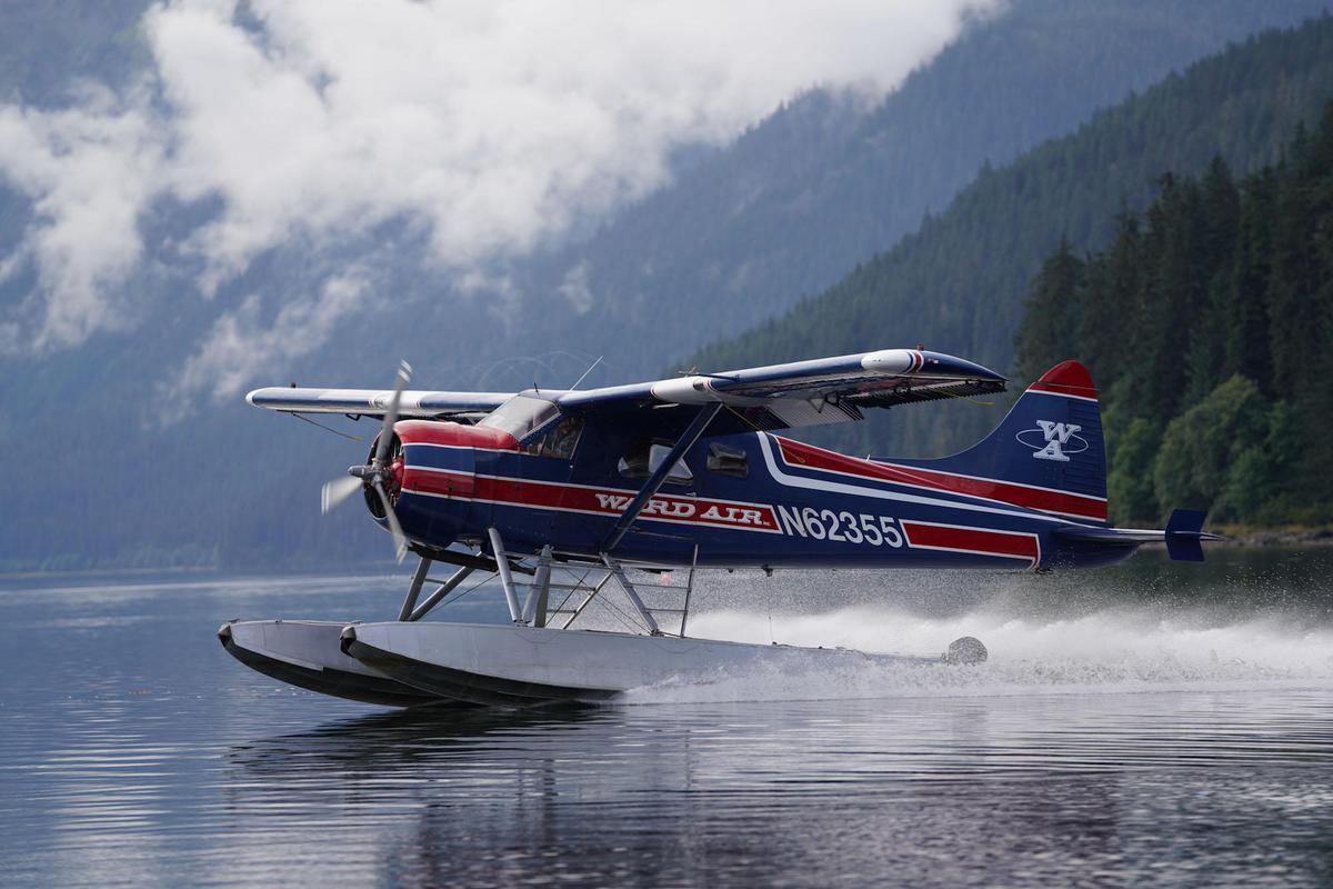 Image of Vehicle, Seaplane, Water transportation, Aircraft, Airplane, Aviation etc.