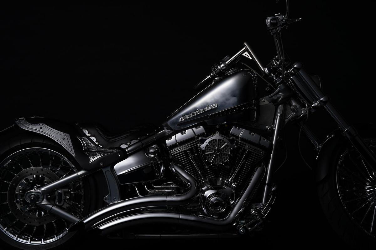 Image of Land vehicle, Motorcycle, Vehicle, Motor vehicle, Chopper, Headlamp etc.
