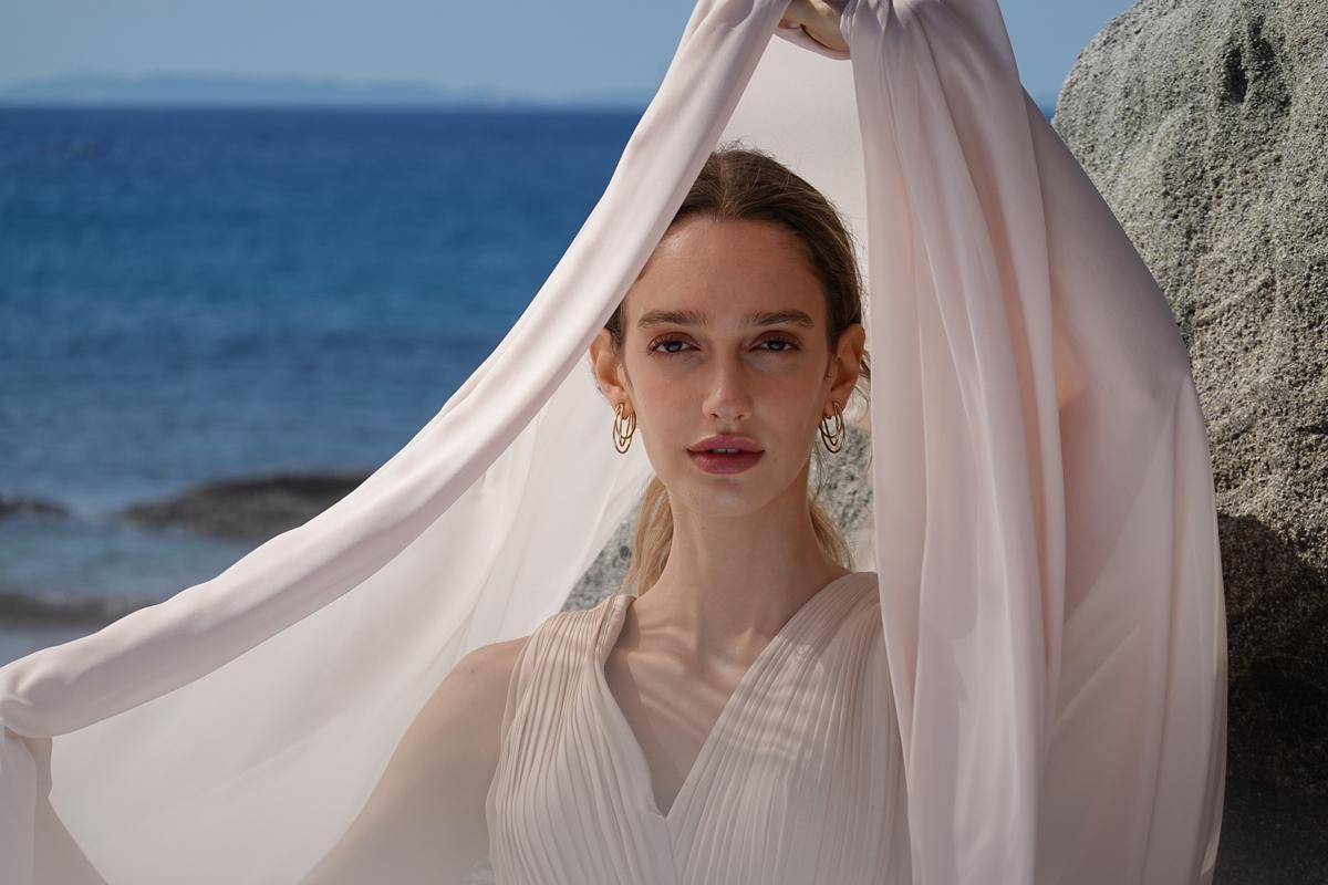 Image of Bridal veil, Bridal accessory, Veil, White, Lady, Beauty etc.