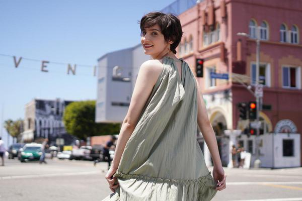 Image of Photograph, Shoulder, Clothing, Street fashion, Fashion, Beauty etc.