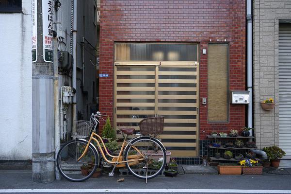 Image of Bicycle, Urban area, Wall, Bicycle wheel, Brick, Snapshot etc.