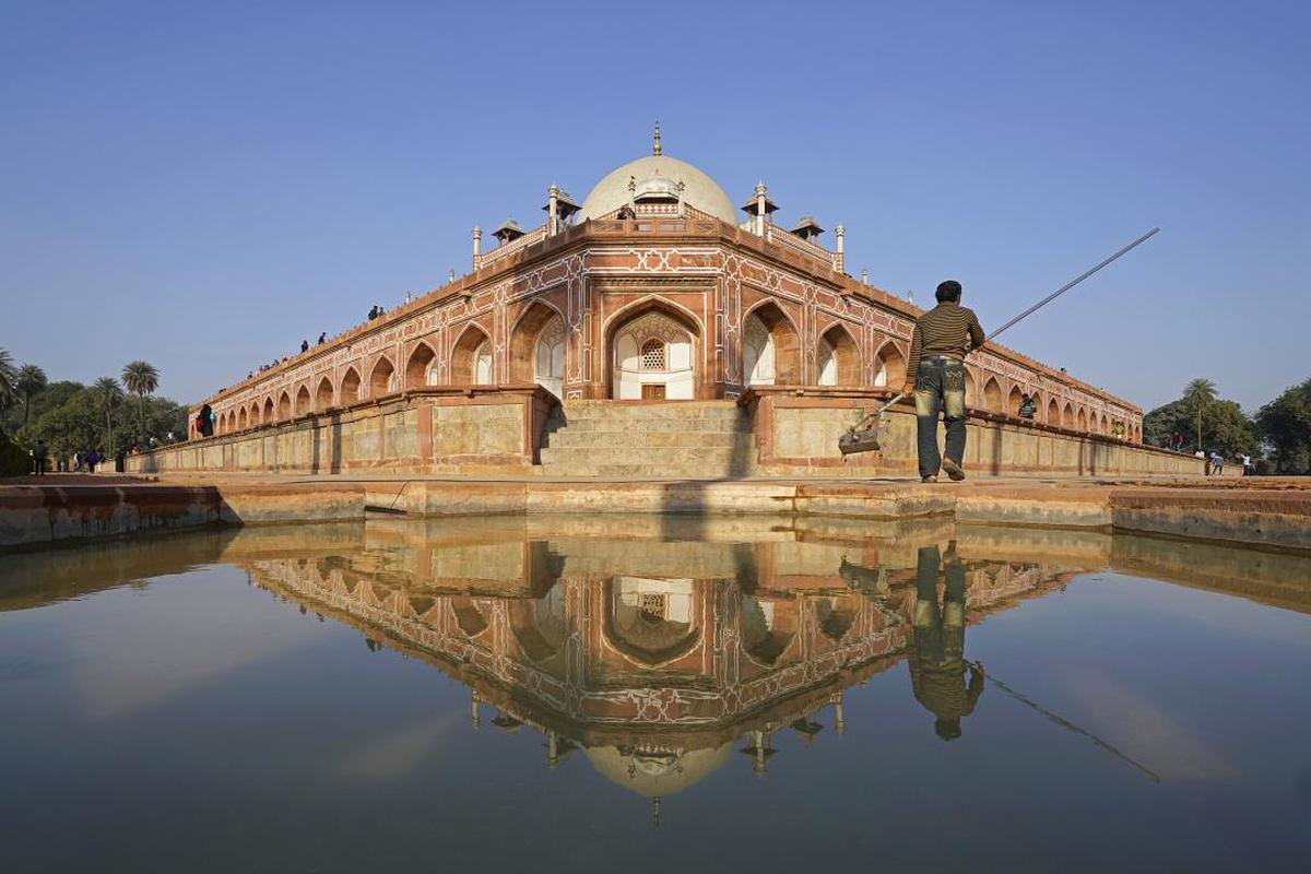 Image of Reflection, Reflecting pool, Water, Landmark, Architecture, Building etc.