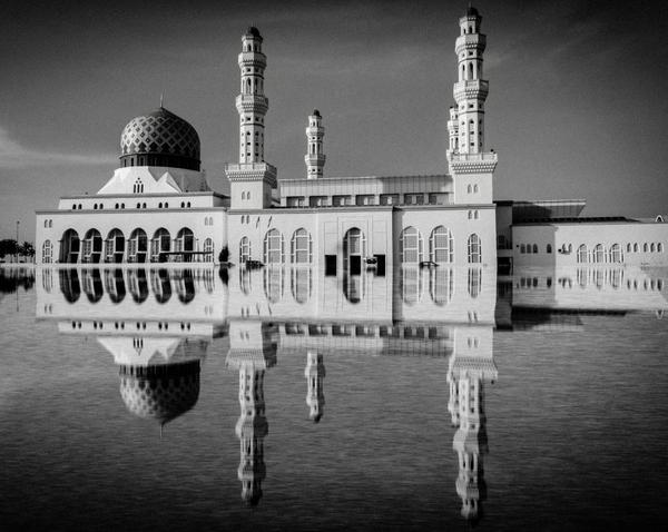Image of White, Reflection, Landmark, Black-and-white, Monochrome photography, Architecture etc.