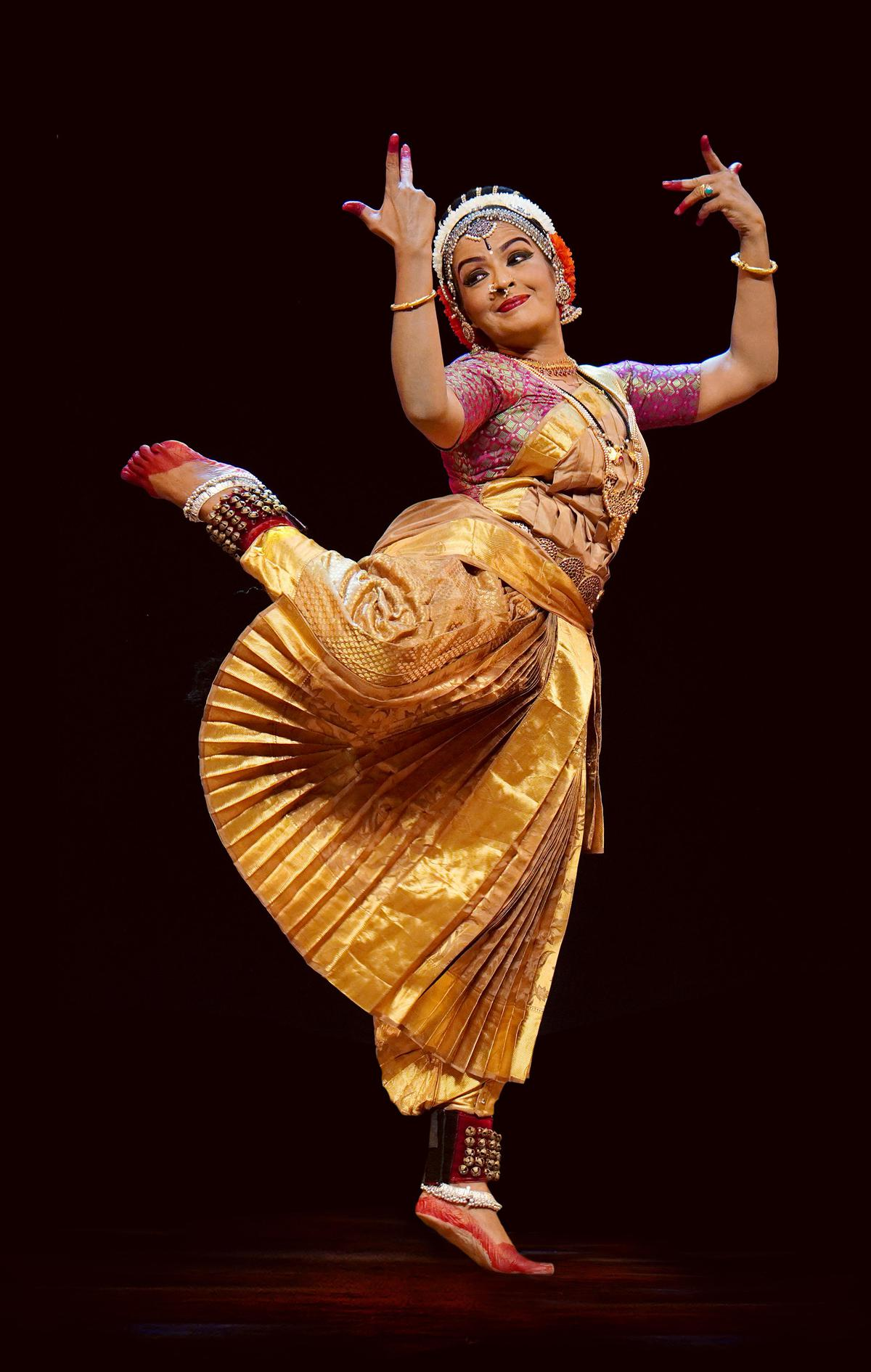 Image of Dancer, Entertainment, Performing arts, Dance, Performance, Folk dance etc.