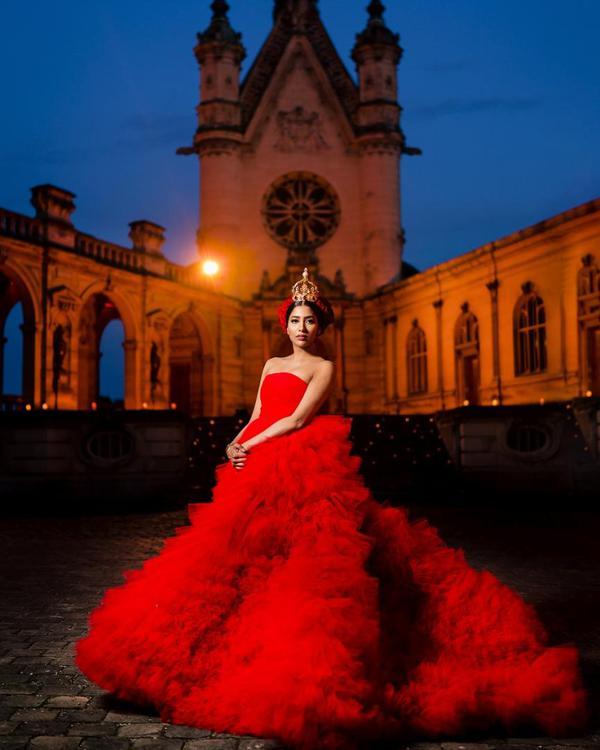 Image of Red, Dress, Blue, Landmark, Beauty, Gown etc.