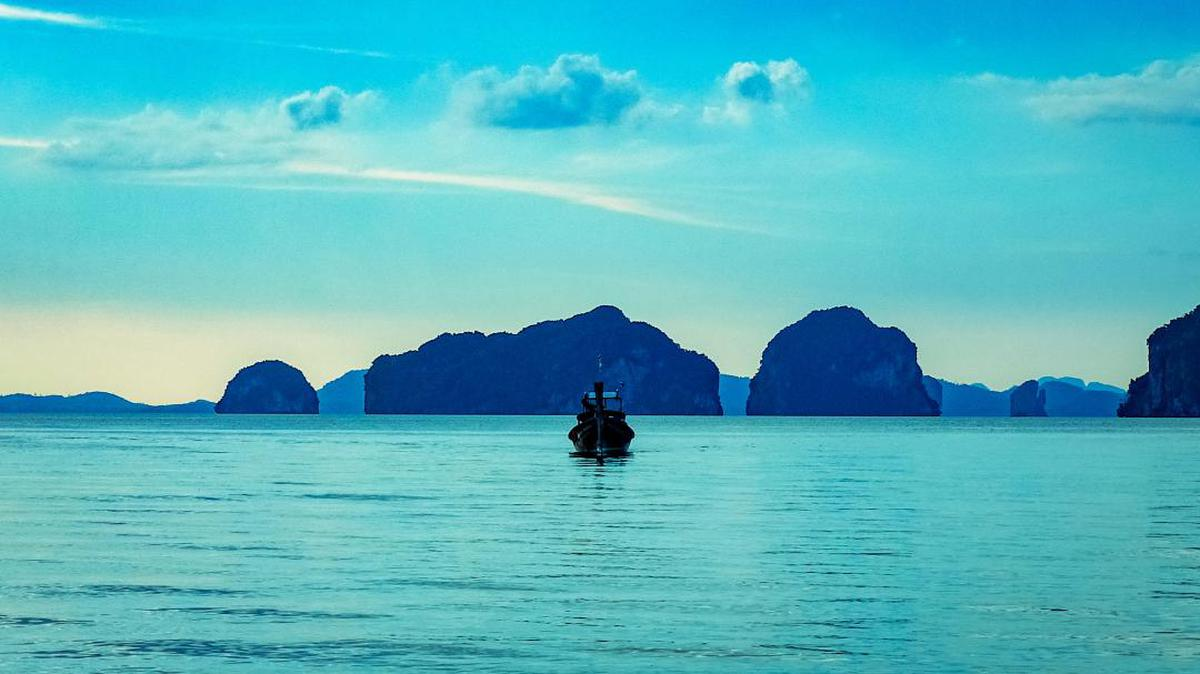Image of Nature, Sky, Natural landscape, Sea, Ocean, Body of water etc.