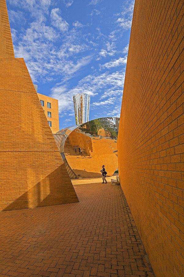 Image of Sky, Yellow, Blue, Natural environment, Daytime, Architecture etc.