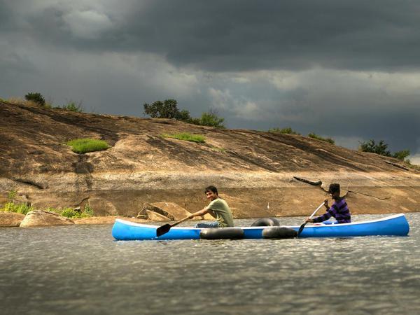 Image of Water transportation, Vehicle, Boat, Watercraft, Kayak, Outdoor recreation etc.