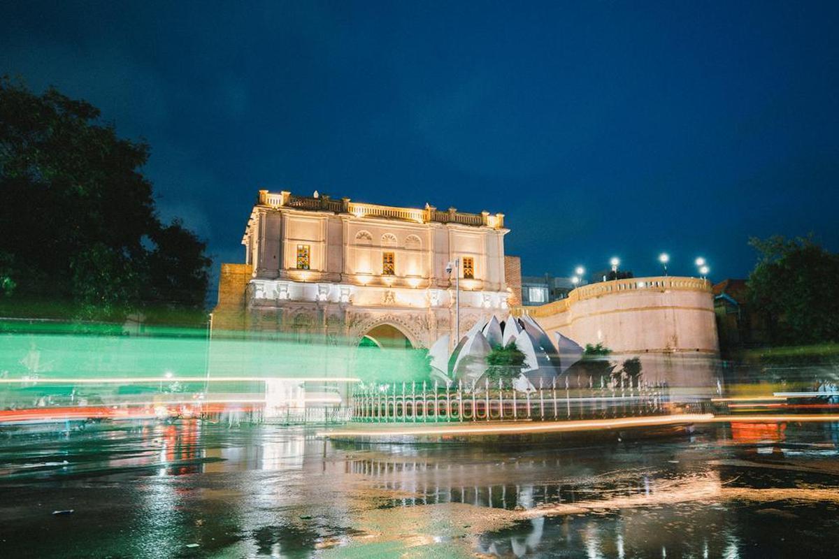 Image of Water, Landmark, Night, Fountain, Architecture, Sky etc.
