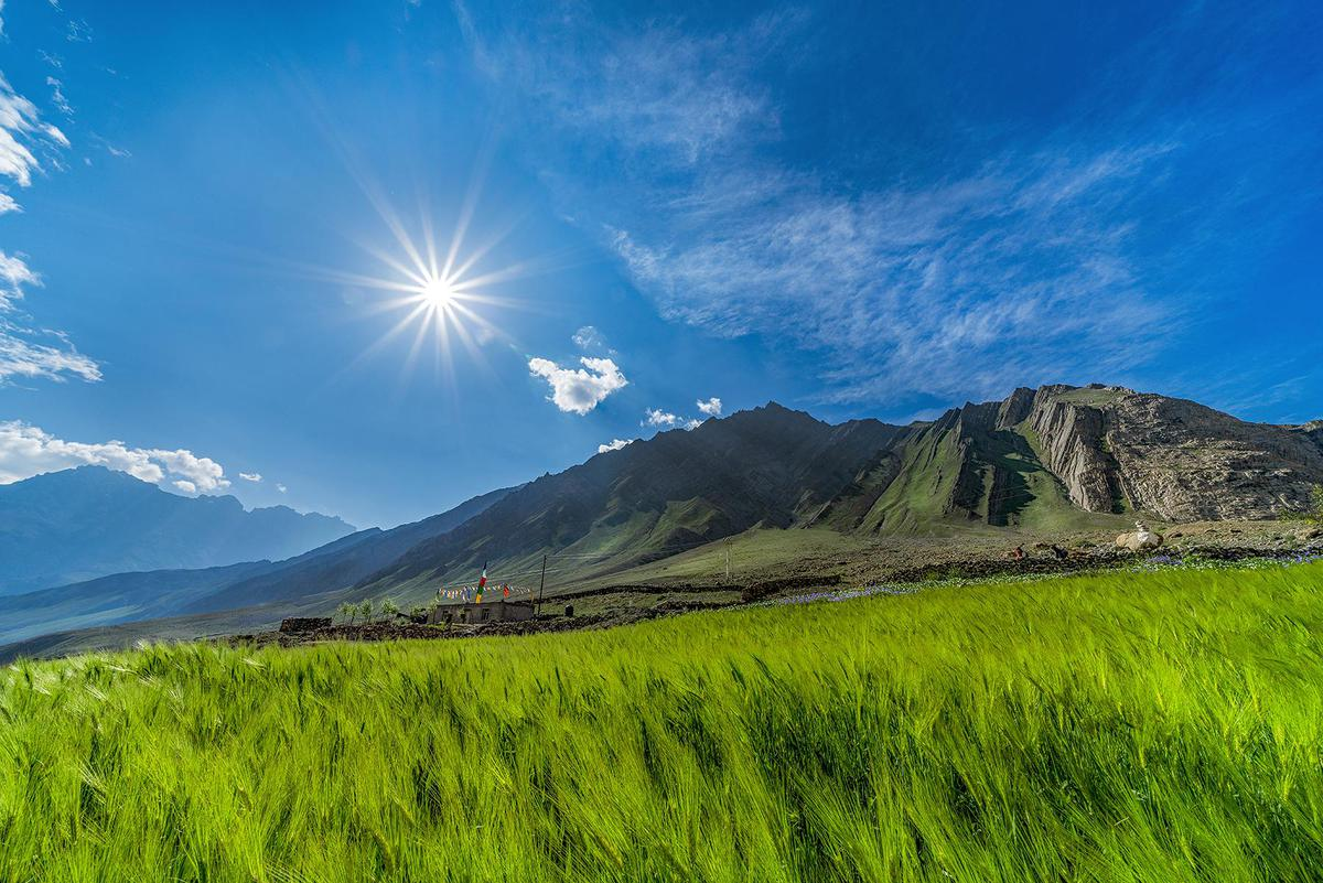 Image of Sky, Natural landscape, Nature, Mountainous landforms, Grassland, Mountain etc.