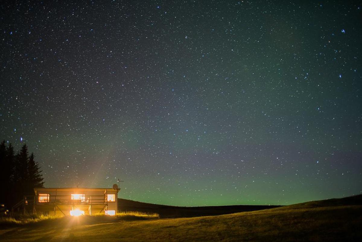 Image of Sky, Night, Aurora, Atmospheric phenomenon, Atmosphere, Cloud etc.