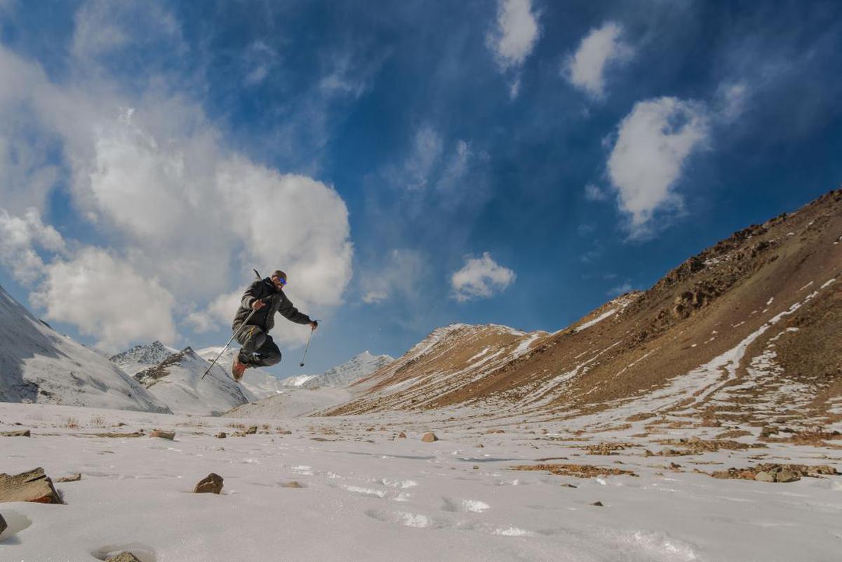 Image of Snow, Sky, Mountainous landforms, Mountain, Cloud, Ridge etc.