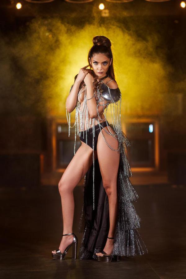 Image of Fashion model, Fashion, Beauty, Leg, Yellow, Lady etc.