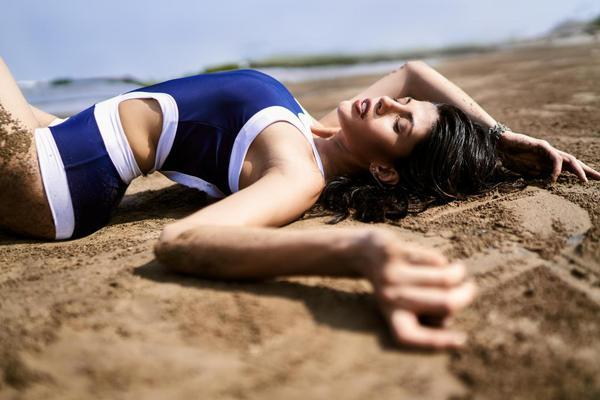 Image of Photograph, Beauty, Model, Photo shoot, Leg etc.