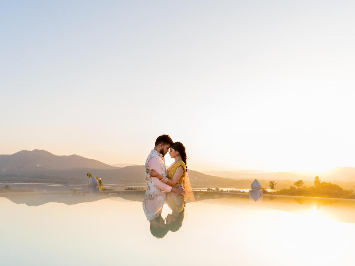 Image of People in nature, Photograph, Sky, Romance, Yellow, Happy etc.