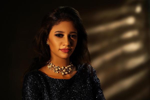 Image of Fashion model, Necklace, Beauty, Body jewelry, Black hair, Eyelash etc.