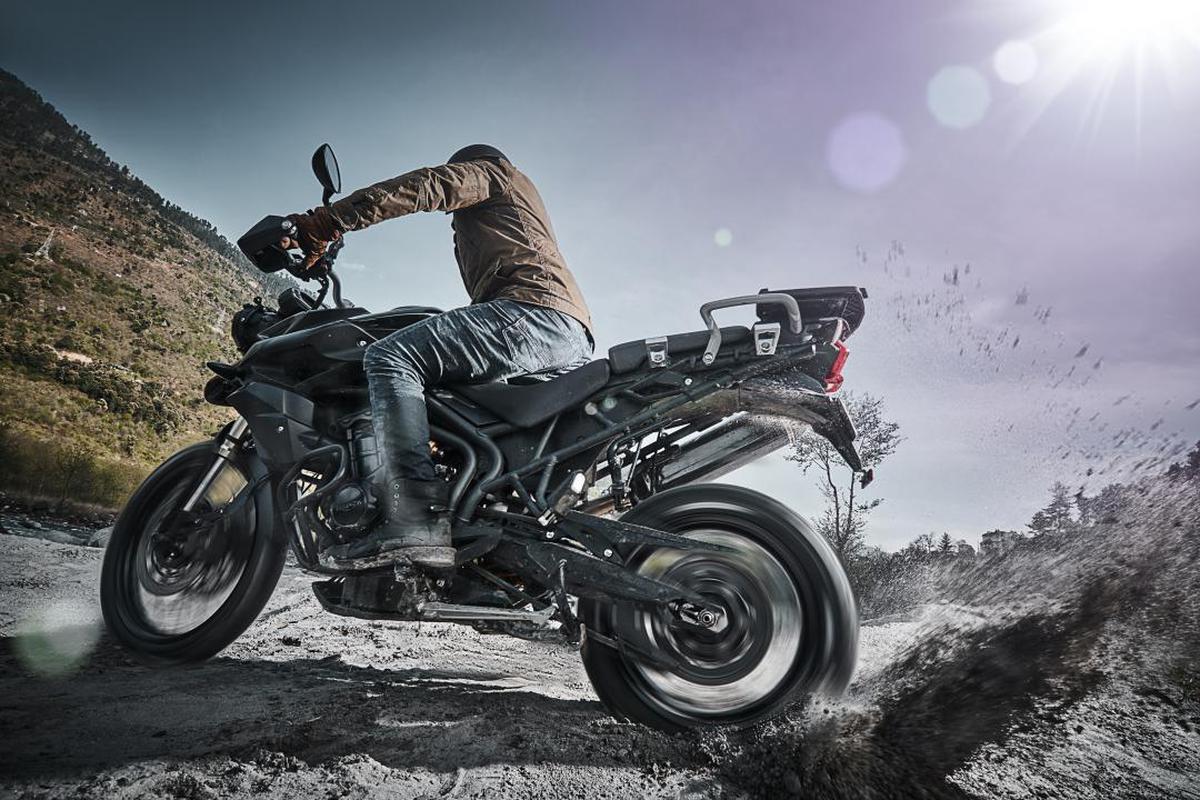 Image of Land vehicle, Motorcycle, Vehicle, Motor vehicle, Automotive tire, Tire etc.