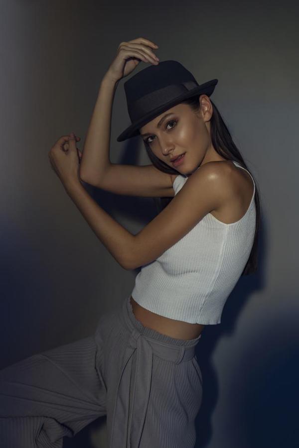 Image of White, Beauty, Skin, Shoulder, Photo shoot, Lady etc.