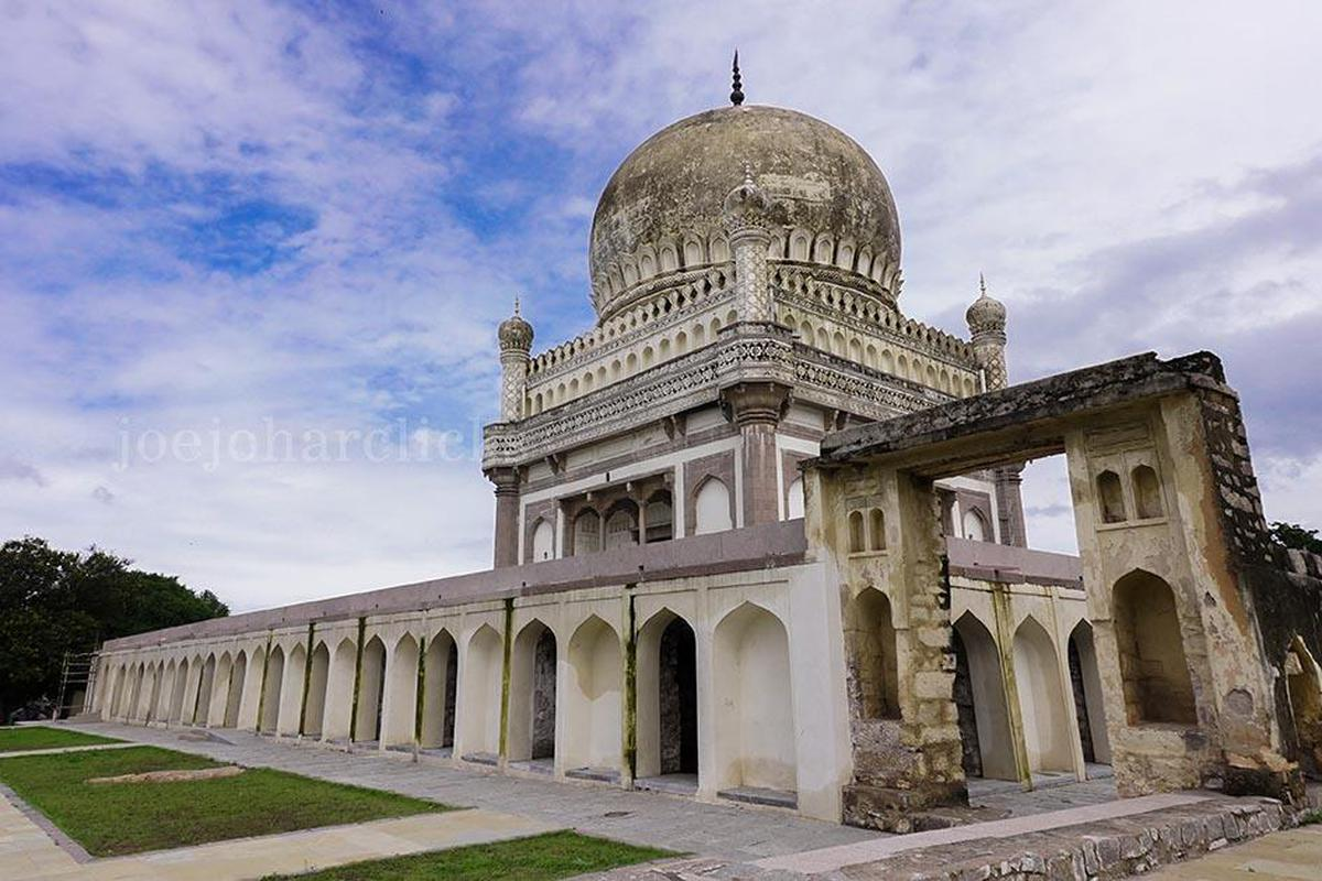 Image of Mausoleum, Byzantine architecture, Classical architecture, Historic site, Building, Architecture etc.