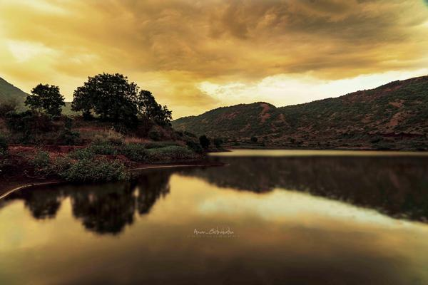 Image of Nature, Sky, Reflection, Body of water, Natural landscape, Lake etc.
